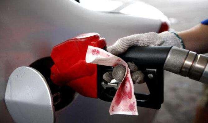 油价都涨到8块钱了怎么办?这7招帮您省油又省钱!