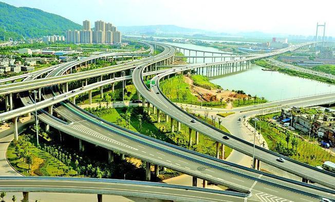 未来十年公路建设资金高达19万亿元,燃油附加费可能改为里程税!